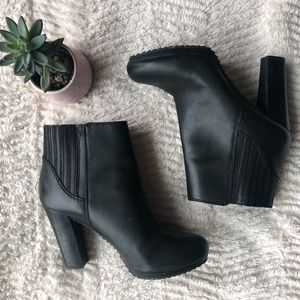 Nine West 'Crimson Elastic Gore' Leather Booties